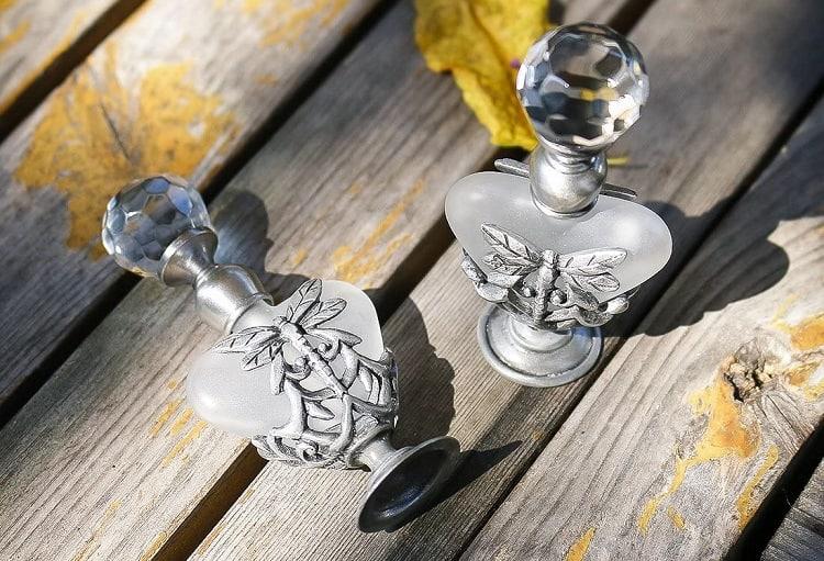 YU FENG Heart Shape Enameled Perfume Bottle